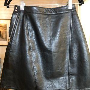 Zara Basics Faux Leather Skirt Size XS - Black